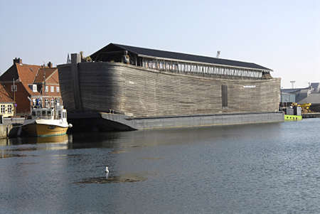 holand: KOGE (KØGE) DENMARK- Noahs ark ship duck at Koge danish provience town Noahs ark is floating bible stories about Noah and his ark animals and human in ark ship Noas ark is 70 metters long 10 meter wide 13 meter height and and build this ark needs 1200 FS