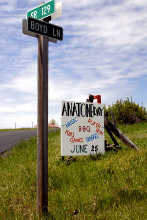 mentioned: ANATONE WASHINGTON STATE STATE USA _ American dead city Anatone population people 38 dogs 20 cats 17 and horses 11 and auto junks is not mentioned and brokenm houses are not mentioned and not much business in sleeping Anatone wasington state, 5 June 201
