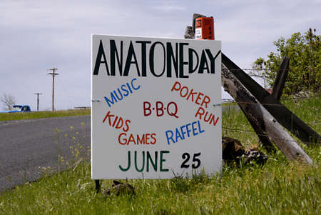 17 20: ANATONE WASHINGTON STATE STATE USA _ American dead city Anatone population people 38 dogs 20 cats 17 and horses 11 and auto junks is not mentioned and brokenm houses are not mentioned and not much business in sleeping Anatone wasington state, 5 June 201