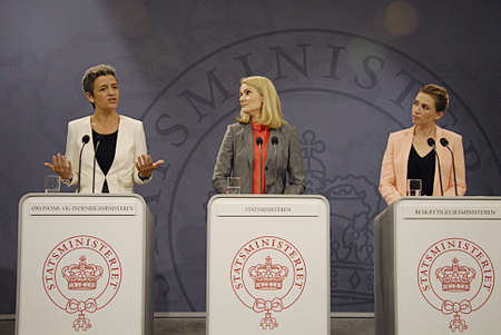workless: COPENHAGEN DENMARK- Ms.Helle Thorning-Schmidt dnish prime minister holds joint press conference with other two minister from her cabinet her PM right Ms.Margrethe Vestager (in white dress)minister for economy and home minister and at left Ms.Mette Freder