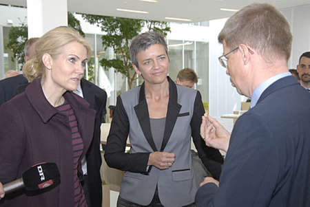 helle thorning schmidt: LYNGBYCOPENHAGEN DENMARK- Ms.Helle Thorning-Schmidt danish prime minister and scoail democrat visits qlong with vice prime minister and liberal progress Ms.Margrethe Vestager minister for economy and home minister visits Technical Univeristy of Copenhag