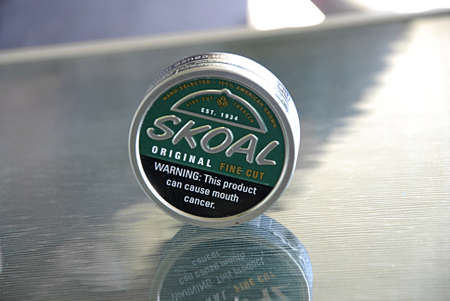 skoal: LEWISTONIDAHO USA- Skoal original hand slected 100% american grown  tobacco warning this productcan cause moth cancer         31 May 2014