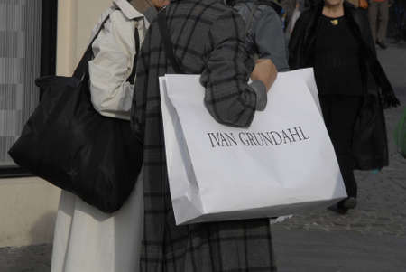 ivan: COPENHAGENDENMARK_Female shoppers with Ivan Grundahl fashion designers shoping bags                 8 October  2014