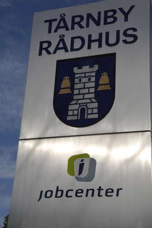 KOPENHAGEN / DENMARK_ Jobcenter bij Taarnby gemeentehuis (jobcenter trnby rdhus) danish JobCenters maken deel uit van de Deense townlal of de Raad 8 oktober 2014 Stockfoto - 32297183