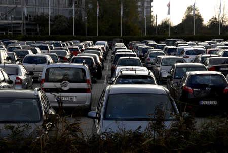 voiture parking: COPENHAGUE  DENMARK_ parking �norme au centre de bella pour bogforum 07 Novembre 2014