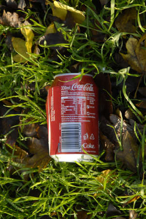 raod: COPENHAGENDENMARK_   In Denmark may be ther is no fine to through liter in nature in USA coast 1000 US$ if police catch liter trougher on side the raod or in nature          07 November  2014