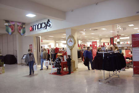 macys: Lewiston . Idaho state. USA   _Christmas shoppers at Macys store at Lewiston central mall and Macys also job hiring at christmas holidays and discount sale during christma seasion              22 December   2014.