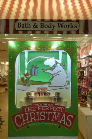 body work: Lewiston . Idaho state. USA  _Christmas sale and chritmas greetings at bath & body work store             22 December   2014.