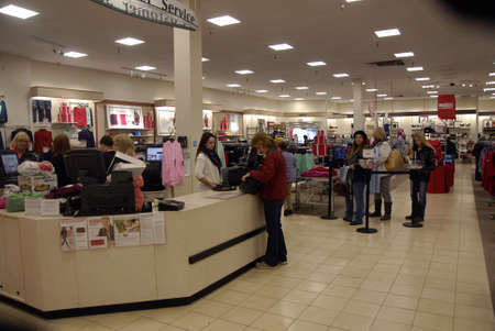 macys: Lewiston . Idaho state. USA _Shoppers and christmas gifts exchangers at One day sale at Macys and boxing and christmas gifts exchange day at JP penney and Macys stores  in Lewiston center mall                26 December   2014.