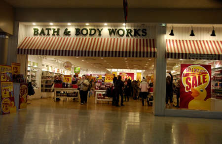 Lewiston . Idaho state. USA  _Sale at Bath and body work after christmas celebrfation at Lewison cente mall              26 December   2014. Editorial