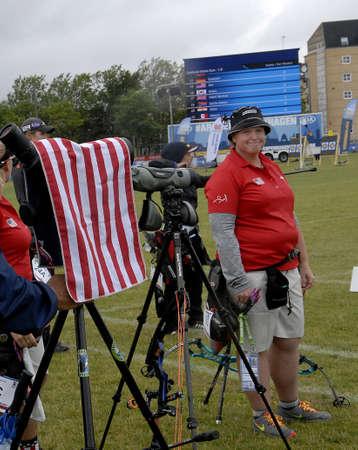 delegates: Copenhagen  Danimarca vita  28 luglio 2015_sports al World Archery Championshiips 26 Luglio - 2 agosto 2015 a Copenhagen, Danimarca, Stati Uniti delegate Mss.Jimmie Van Vatt, Crystal Gauvin e Lexi Kelleer su un terreno a campionati mondiali di tiro con l'arco.
