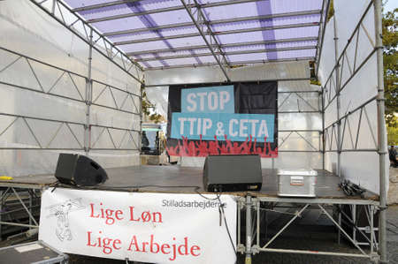 tourists stop: Copenhagen  Denmark_ 27th October 2016 _  Thusand stange protest rally in danish capital protest to  stop TTIP and Ceta agreetment. Editorial