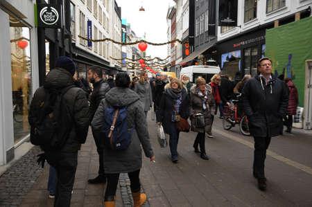 hm: Copenhagen  Denmark_  05th .December  2016 - Early christmas shoppers on amager torv Copenhagen.