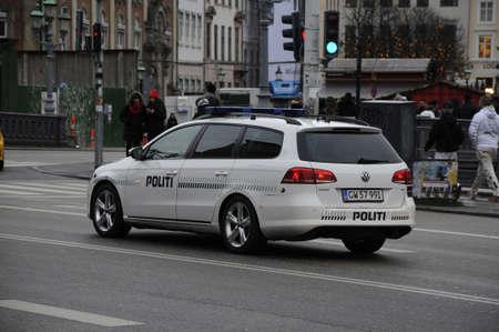 bil: Copenhagen  Denmark_  05.December  2016 - Danish police vehicle  (politi bil)