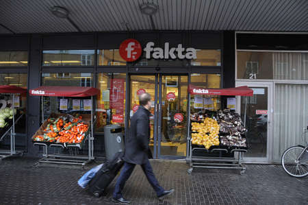 fakta: Kastrup_ Copenhagen_Denmark _ 25th December  2016_ Danish chain Fakta opens on christmas day 25 december 2016  and worker have to come on cehirtmas day for work,no christmas holiday for some akta workers.