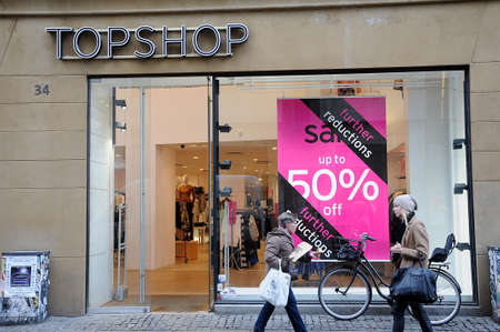 hm: Copenhagen  Denmark_  25.January 2017 - Sale at various textile store in Copenhagen , H&M and Topshop and Magasin du nord . Editorial