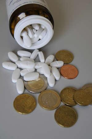 magnesia: Copenhagen Denmark - 23. May 2017. Medicine Magnesia Dak 500 mg  and Euro .
