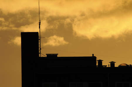 덴마크 -2010 년 10 월 5 일입니다. 카스트 러프 통해 석양입니다. 스톡 콘텐츠