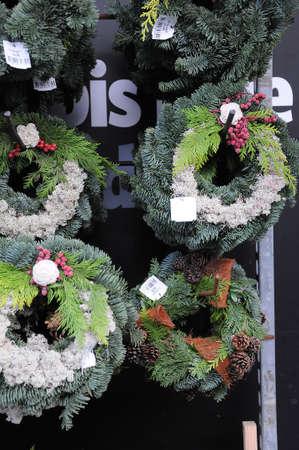 Kastrup / Copenhagen / Dinamarca - 26 de outubro de 2017. Decorações de Natal está pronto para a compra em lojas dinamarquesas. Foto de archivo - 88616103