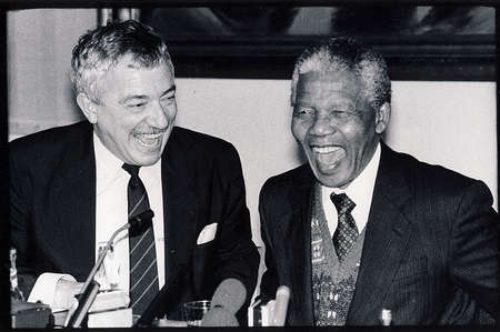Copenhagen Denmark  06-Feb. 1992 Date correction accual 06-.Feb- 1992_ .South Afrcian presient Nelson Mandela on state visit to Denmark preisent Nelson Mandela holds joint press confeence with Denmarks minister for foreign affair Uffe Ellemann-Jensen i Editöryel