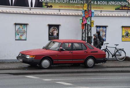 CopenhagenDenmark. 27.December 2018._ Police stop some reason swedish old classic saab car in Copenhagen Denmark. 報道画像