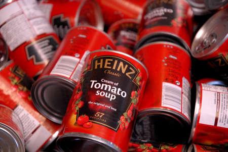 CopenhagenDenmark. 26.January 2019._American Heinz classic cream of tomato soup the orginal and best 57 varieties discount sale in danish food mrket . 新聞圖片