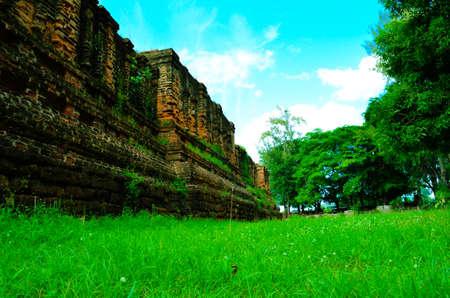 klong: a ruin of ancient city called koobua, wat klong ratchaburi
