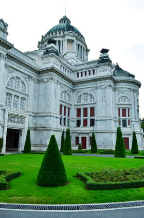marble palace: photo of annanda samakhom throne hall a marble palace in thailand