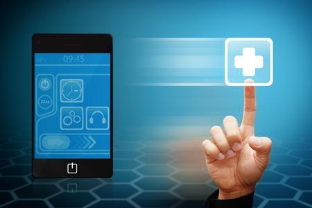 Smart-Hand berühren Sie den Erste-Hilfe-Symbol aus Mobilfunknetzen Standard-Bild - 12425246