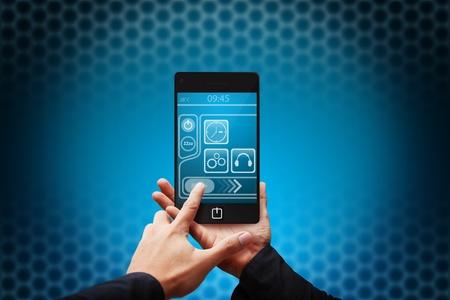 Handpresse auf Mobiltelefon Standard-Bild - 12425752