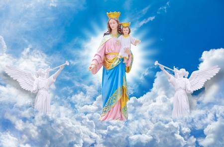 virgen maria: Jesús y María en el cielo