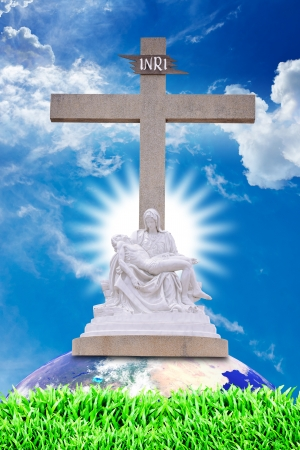 son of god: Jesus dead and Mary hold him
