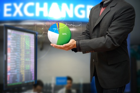 Business man and profit graph Stock Photo - 15668341