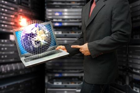 broadband: Programmer in data center room