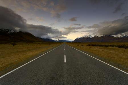 nz: Road to Mt Cook, NZ