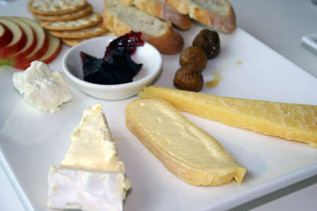 Australian cheeses with fruit and crackers