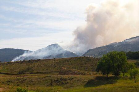 high park: High Park burning Wildfire nelle montagne di Colorado