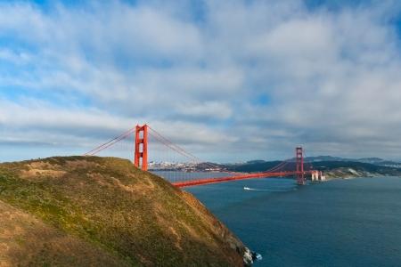 san fran: Panoramic view of the Golden Gate Bridge in San Francisco, California