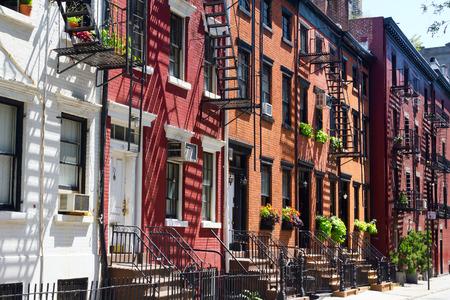 マンハッタン、ニューヨーク市でゲイ路上建物
