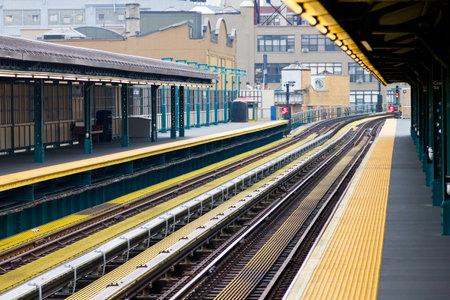 subway platform: New York City subway platform and tracks