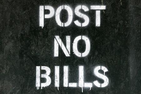 Stellen Sie keine Rechnungen gesprühten Zeichen in New York City Standard-Bild - 50331764