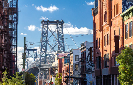 manhattan bridge: Williamsburg Bridge Street Scene in Brooklyn, New York City