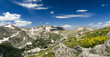 colorado rocky mountains: Colorado Rocky Mountains Panoramic Landscape View - Arapaho Glacier Trail
