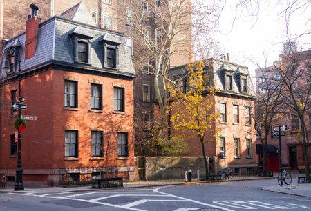 Commerce Straßenszene in der historischen Greenwich Village Nachbarschaft von Manhattan in New York City