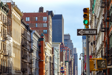 Kruising van Broadway en Spring Street in SOHO Manhattan, New York City Stockfoto