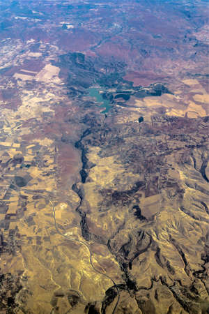 view from the plane of lake and river in the middle of desert, Morocco Banque d'images - 96130511
