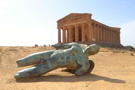 valley of the temples: Valley of the Temples in Agrigento Sicily