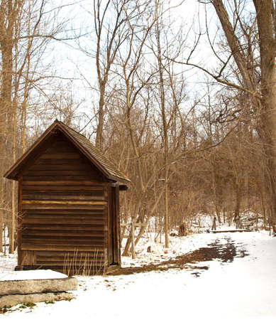 shack in the woods in winter Stock Photo - 14791311