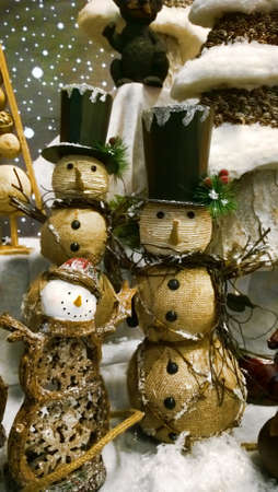christmastime: woven snowmen decorations for Christmastime