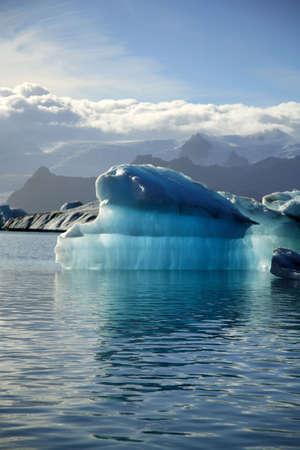 �ber Wasser: Iceberg Jokulsarlon Island